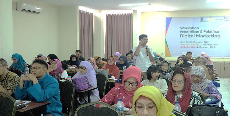 kuliah digital marketing untuk kelas karyawan dan dosin di universitas jayabaya