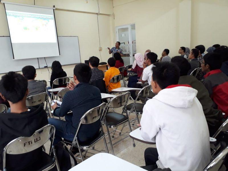 """Kuliah Umum Teknik Elektro FTI-UJ: """"Ketahanan Sikap Generasi Muda Indonesia Menghadapi Era Informasi (Revolusi Industri 4.0)"""""""