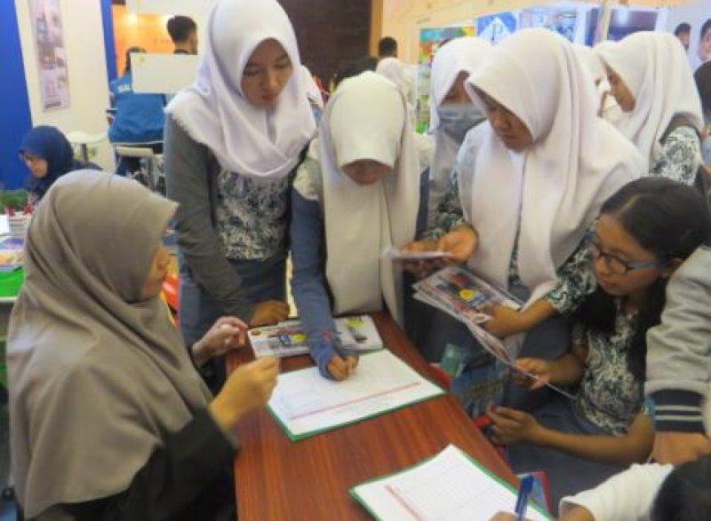 Pameran dan ROAD TO SCHOOL SMA/SMK/MA di Wilayah JaBoDeBek Fakultas Teknologi Industri UJ