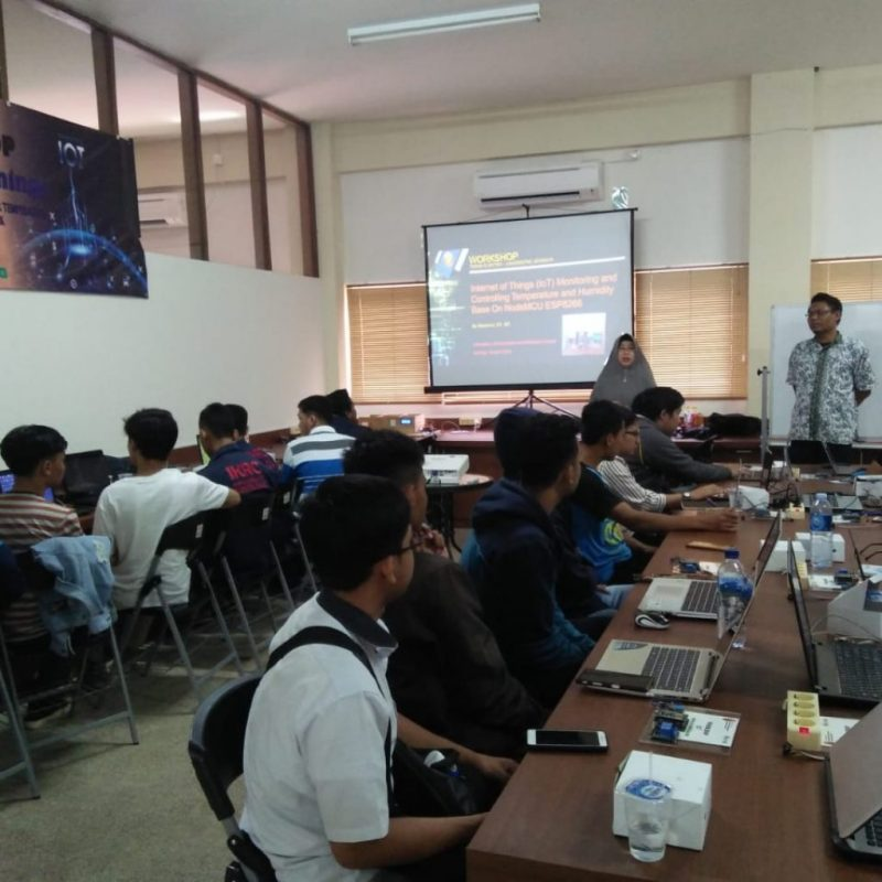 "Workshop Teknik Elektro Fakultas Teknologi Industri Universitas Jayabaya (FTI-UJ)  ""IoT Monitoring and Controlling Temperatur and Humidity Base  on ESP8266 and Blynk"""