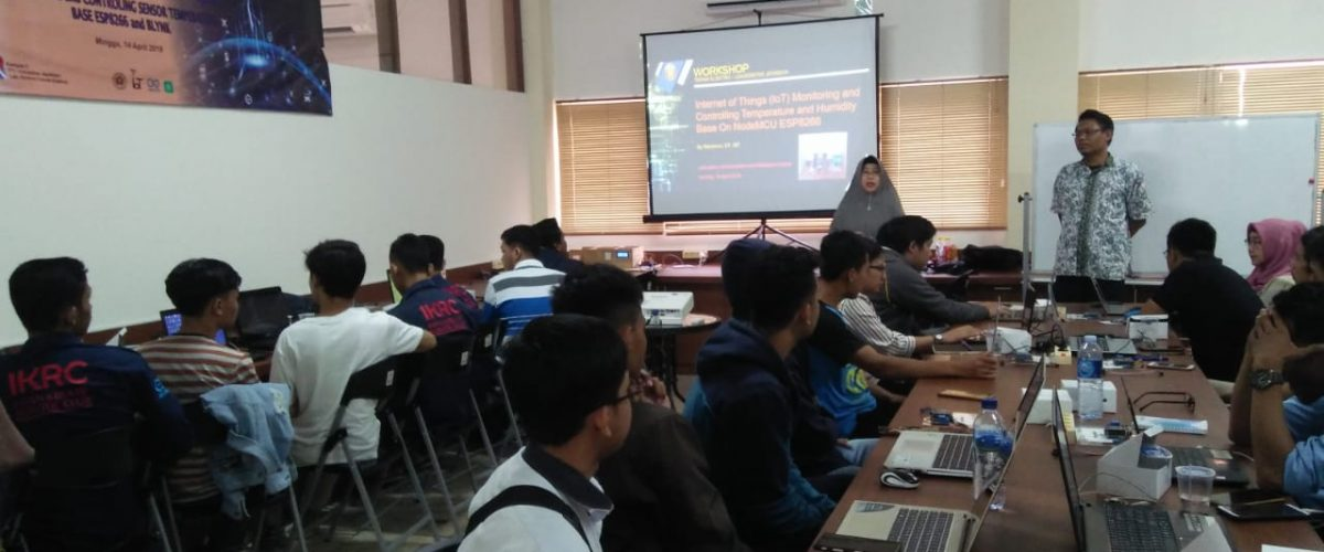 Workshop Teknik Elektro IoT Monitoring and Controlling Temperatur and Humidity Base  on ESP8266 and Blynk